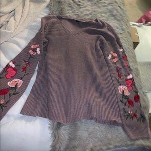 american eagle tunic. embroidery on sleeves